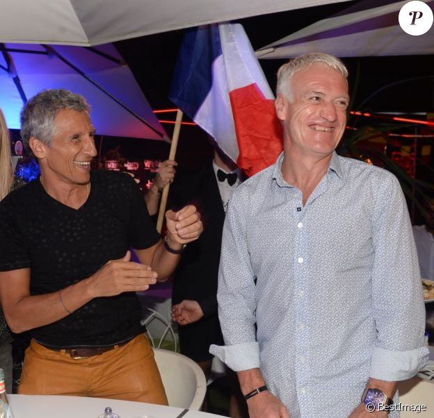 Semi-Exclusif - No web - No blog - Didier Deschamps fête sa victoire avec sa femme Claude, Nagui et sa femme Mélanie Page et des amis à la Gioia et au VIP Room à Saint-Tropez, le 21 juillet 2018. © Rachid Bellak/Bestimage  For Germany call for price !!! NO WEB NO BLOG !!! Semi-Exclusive - French football manager Didier Deschamps is celebrating his FIFA World Cup victory with his wife Claude and and french presenter Nagui and his wife at the Gioia restaurant and VIP Room in Saint-Tropez, France, on July 22nd 201821/07/2018 - Saint-Tropez