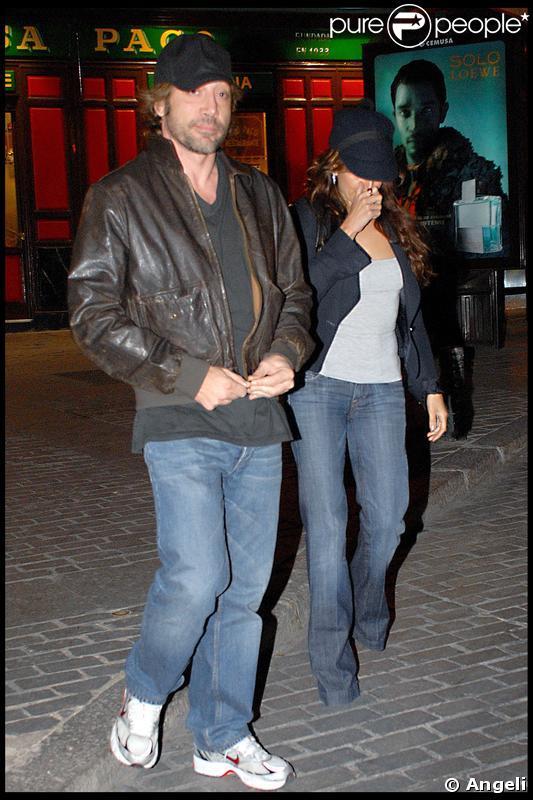Penélope Cruz et Javier Bardem sortant d'un restaurant à Madrid - avril 2009