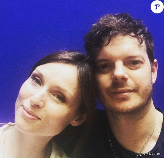 Sophie Ellis-Bextor et son mari Richard Jones (photo Instagram du 26 juin 2018 pour leur 13e anniversaire de mariage) attendent leur cinquième enfant, comme elle l'a révélé le 10 août 2018 à Chris Evans sur BBC Radio 2.