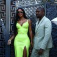 Kanye West et Kim Kardashian lors de leurs vacances à Miami le 18 août 2018. Ils devaient asister le soir même au mariage du rappeur 2 Chainz et Kesha Ward.