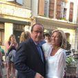 """Exclusif - François Hollande, Claire Chazal - François Hollande et sa compagne Julie Gayet sont allés voir Claire Chazal qui dédicaçait son livre """"Puisque tout passe: Fragments de vie"""" à Lectoure dans le Gers, le 20 août 2018."""