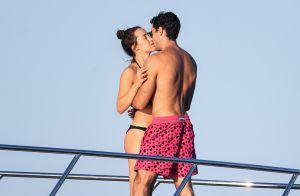 Eros Ramazzotti : Sa fille Aurora en vacances avec son chéri, tout près de lui