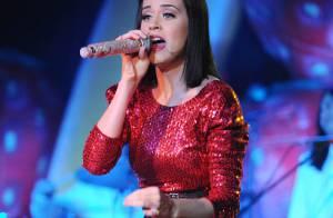 Katy Perry : une tenue très... sage sur scène ! Que t'arrive-t-il, Katy ?