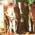 Kendall Jenner est allée faire la fête avec son compagnon Ben Simmons à Los Angeles. Kendall discute avec Brandon Davis et des amis à la sortie du restaurant Giorgio Baldi à Los Angeles, le 28 août 2018
