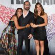 Annie Ilonzeh, Pierre Morel et Jennifer Garner à la première de Peppermint au Regal Cinemas à Los Angeles, le 28 août 2018.