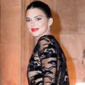 Kendall Jenner : Robe transparente et poitrine apparente, elle irradie à Paris