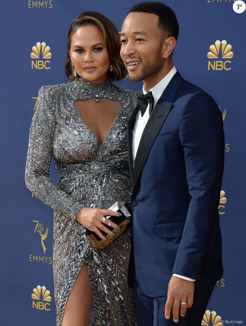 John Legend et sa femme Chrissy Teigen au 70ème Primetime Emmy Awards au théâtre Microsoft à Los Angeles, le 17 septembre 2018.
