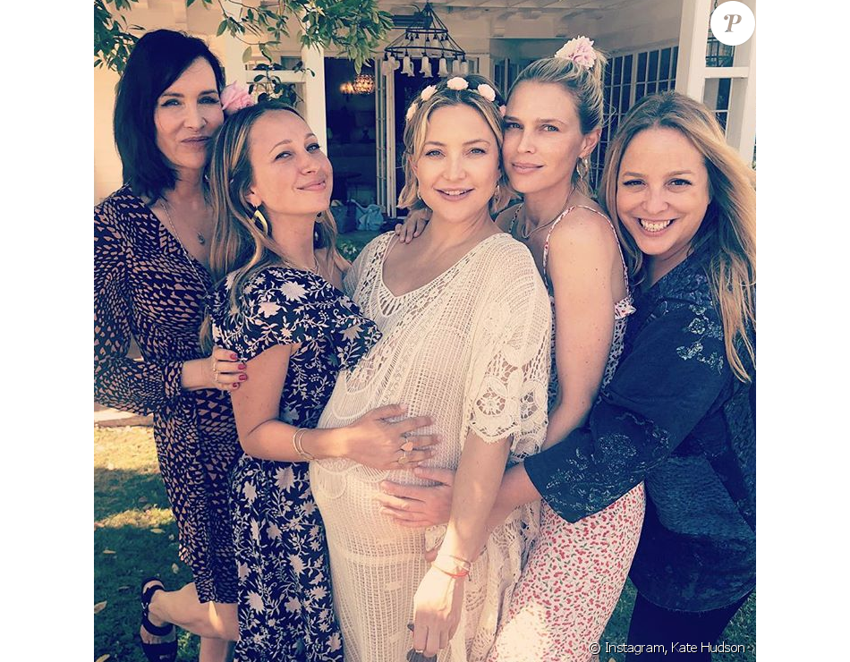 Kate Hudson et ses amies fêtent l'arrivée prochaine de sa fille, à Los Angeles le 23 septembre 2018.