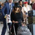 Eva Longoria arrive avec son fils Santiago à l'aéroport de Roissy Charles de Gaulle le 23 septembre 2018 © Cyril Moreau / Bestimage