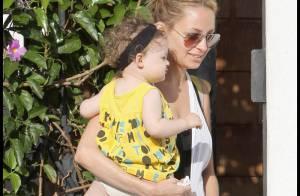 Nicole Richie, toujours aussi épanouie, est de retour à Los Angeles... avec son adorable fille !