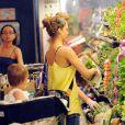 Jessica Alba en look Chanel & Darel et sa fille Honor Marie à Los Angeles