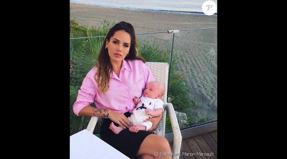 Manon Marsault (Les Marseillais) pose avec son fils Tiago , 26 juin 2018
