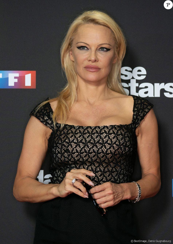 """Pamela Anderson - Photocall de la saison 9 de l'émission """"Danse avec les stars"""" (DALS) au siège de TF1 à Boulogne-Billancourt le 11 septembre 2018. © Denis Guignebourg/Bestimage"""
