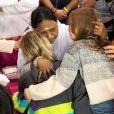 Alexandra Rosenfeld et sa fille rencontrent la guide spirituelle Amma à Châlons-en-Champagne. Octobre 2018.