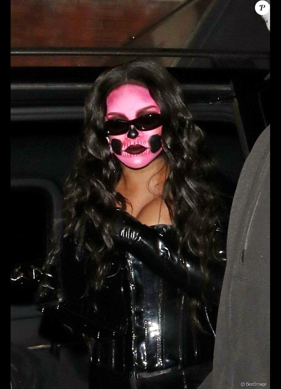 Rihanna arrive au club Laylow pour fêter Halloween. Londres, le 31 octobre 2018.