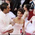 Aishwarya Rai et son mari Abhishek Bachchan lors de la cérémonie d'ouverture du 62e Festival de Cannes le 13 mai 2009