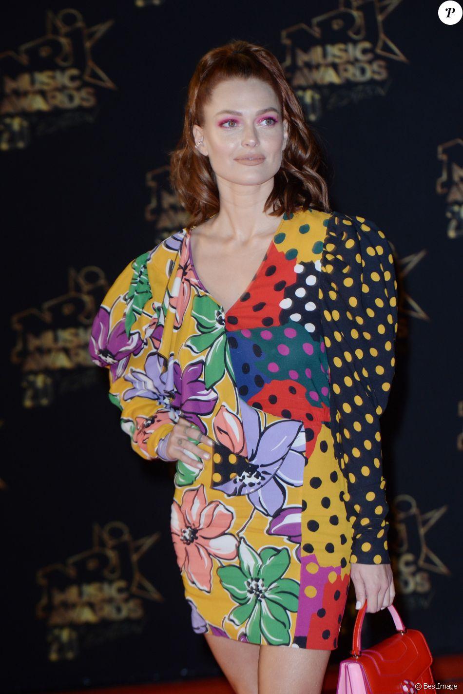 Caroline Receveur - 20ème cérémonie des NRJ Music Awards au Palais des Festivals à Cannes. Le 10 novembre 2018 © Christophe Aubert via Bestimage