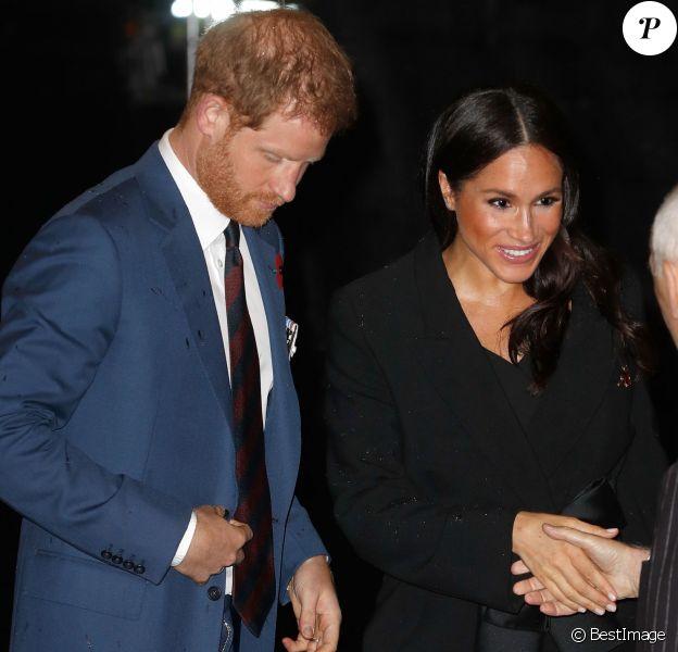 """Meghan Markle (enceinte), duchesse de Sussex et le prince Harry, duc de Sussex - La famille royale d'Angleterre au Royal Albert Hall pour le concert commémoratif """"Royal British Legion Festival of Remembrance"""" à Londres. Le 10 novembre 2018"""