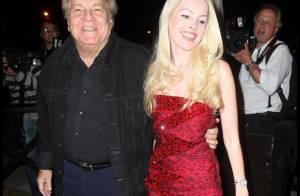 Massimo Gargia est à Cannes sans sa copine Loana... mais avec son clône !