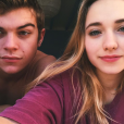 Chloé Jouannet, la fille d'Alexandra Lamy, s'affiche avec son amoureux Zacharie Chasseriaud. (photo postée le 21 décembre 2015)