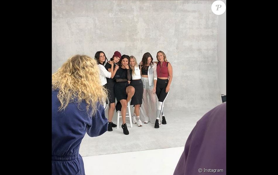 Selena Gomez et ses amies, visages de la collection SG x PUMA, disponible le 12 décembre 2018.