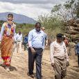 La princesse Mary de Danemark en habit traditionnel lors de sa visite dans la réserve naturelle de Kalama lors de son voyage au Kenya le 27 novembre 2018.