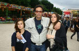 Gilets jaunes : Anthony Delon et ses filles unis pour dire non à la violence