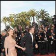 Brad Pitt le sait, sa compagne est sexy à souhait, la preuve avec cette superbe robe hier soir à la montée des marches à Cannes