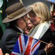 Joanna Lumley célèbrant la décision du Parlement britannique à propos du statut des vétérans Gurkhas le 21 mai 2009