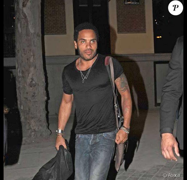 Lenny Kravitz et sa nouvelle compagne sont de sortie à Madrid