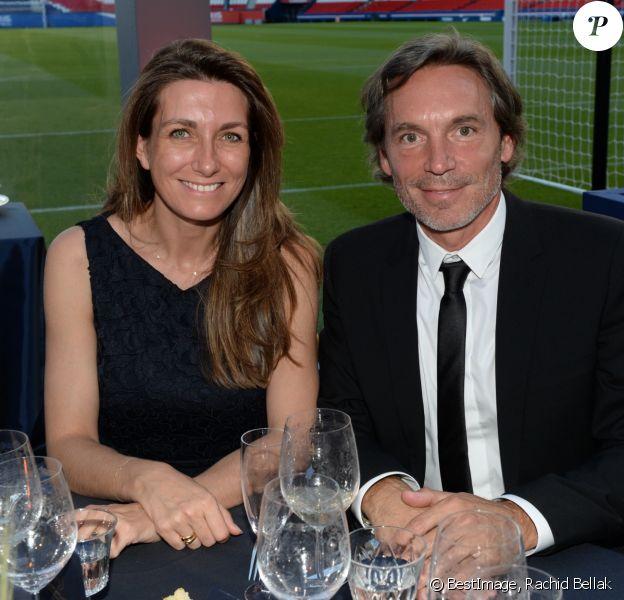 Exclusif - Anne-Claire Coudray et guest - Dîner de gala au profit de la Fondation PSG au Parc des Princes à Paris le 16 mai 2017. © Rachid Bellak/Bestimage