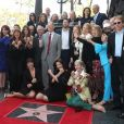 Lynda Carter entourée de Patty Jenkins, Jessica Altma, Robert A. Altman, James Altman et autres lors de l'inauguration de son étoile sur le Walk of Fame sur Hollywood Boulevard à Los Angeles, le 3 avril 2018.