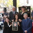 Leslie Moonves, Lynda Carter, Patty Jenkins, Leron Gubler lors de l'inauguration de l'étoile de Lynda Carter sur le Walk of Fame sur Hollywood Boulevard à Los Angeles, le 3 avril 2018.