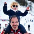 Thierry Peythieu et son fils Tom en vacances au ski à Serre Chevalier, le 29 décembre 2018.