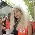 Irene Salvador fait la 75ème quête de la Croix-Rouge à Boulogne-Billancourt le 23 mai 2009. Quand le top espagnol se glisse dans la peau d'une blonde c'est chaud ! Olé !