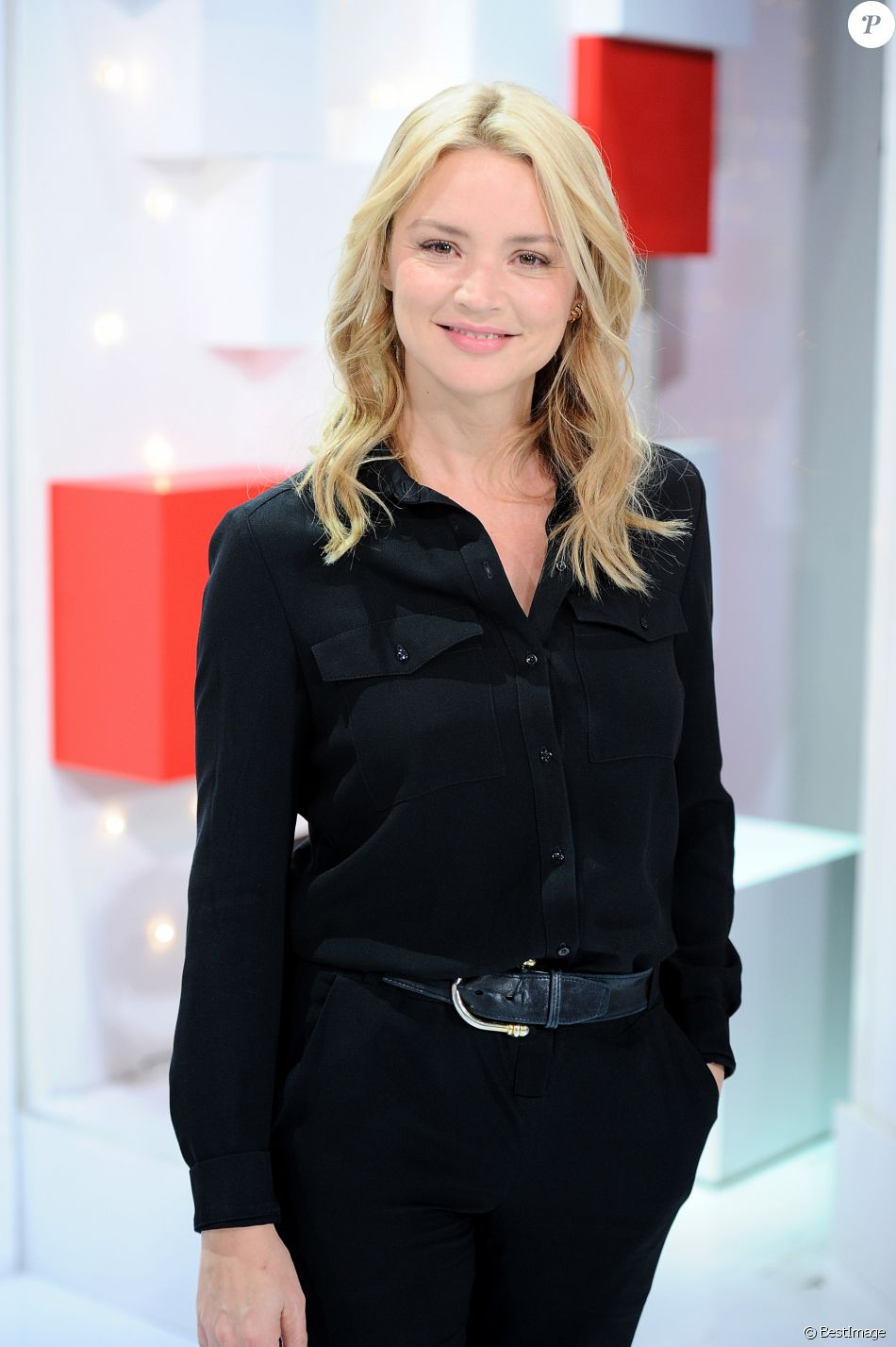 "Exclusif - Virginie Efira - Enregistrement de l'émission ""Vivement Dimanche"" au studio Gabriel à Paris le 29 octobre 2018. © Guillaume Gaffiot/Bestimage"