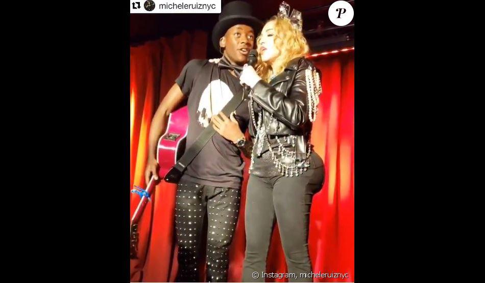 Madonna et son fils David Banda, au Stonewall Inn de New York. Décembre 2018