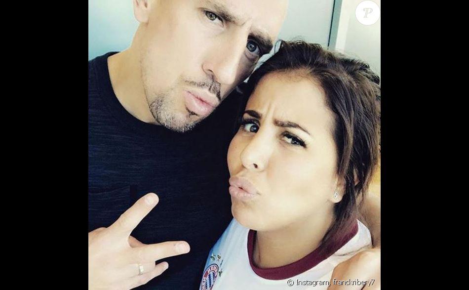 Franck Ribéry pose avec sa femme Wahiba sur Instagram le 22 juin 2017.