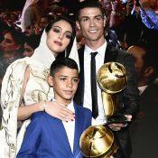 Cristiano Ronaldo : Bain de soleil pour Georgina et jolie vue sur son fessier