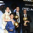 Cristiano Ronaldo récompensé lors de la 10e édition des Dubai Globe Soccer Awards le 3 janvier 2019. Avec son fils Cristiano Jr et sa fiancée Georgina Rodriguez.