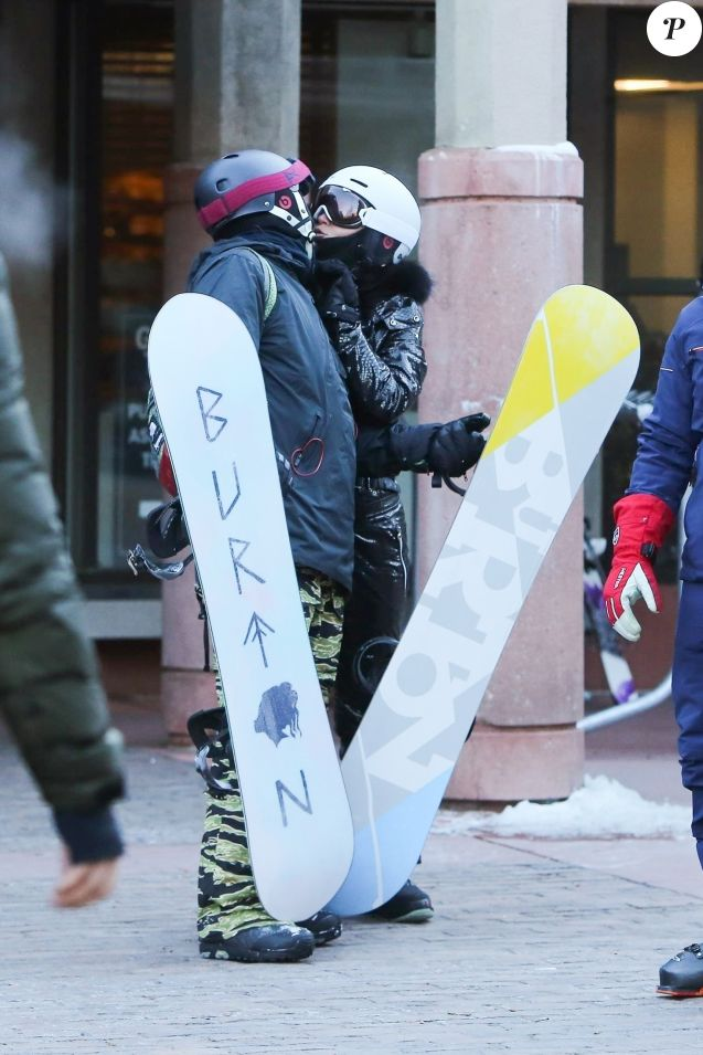 Exclusif - Orlando Bloom et sa compagne Katy Perry font du ski à Aspen, le 2 janvier 2019.
