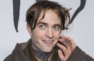 Robert Pattinson : Coiffure improbable et look audacieux en pleine Fashion Week