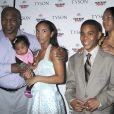 Mike Tyson en famille avec ses trois premiers enfants.