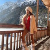 Nabilla en maillot très décolleté à la montagne : La star n'a pas froid aux yeux
