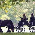 Exclusif - Le prince Philip, duc d'Edimbourg, conduit sa calèche le long de la Tamise à Windsor, le 15 octobre 2018.