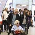 Exclusif - Raphaël Mezrahi, Laurent Ruquier, Claude Sarraute, Valérie Mairesse et Christophe Beaugrand - La bande à Ruquier arrive à la gare de St-Pancras à Londres pour fêter les 90 ans de C. Sarraute - Londres le 23 juin 2017