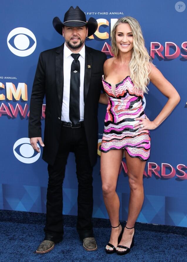 """Jason Aldean et sa compagne Brittany Kerr - 53ème cérémonie des """"Academy of Country Music Awards"""" à la MGM Grand Garden Arena à Las Vegas, le 15 avril 2018."""