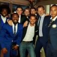 Martin Bazin (au centre, en arrière-plan, portant des lunettes) s'est marié le 30 juin 2017. En présence de nombreux piliers de Koh-Lanta, dont Denis Brogniart (à g.)...