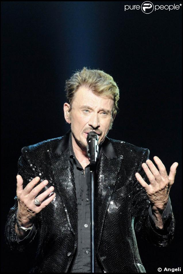 La tournée d'adieu de Johnny Hallyday pour ses fans... un immense moment d'émotion !
