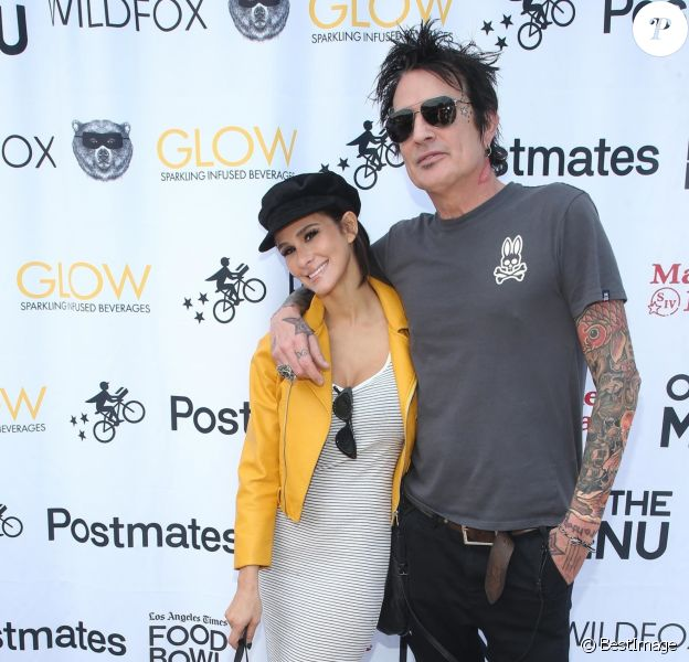 Brittany Furlan et son fiancé Tommy Lee à la journée Off The Menu x Postmates: Secret Burger Showdown au Wallis Annenberg Center à Beverly Hills, le 26 mai 2018.